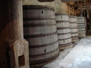 bourgogne-winery-wine-vats