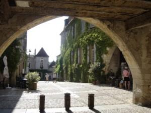 Monpazier arch small